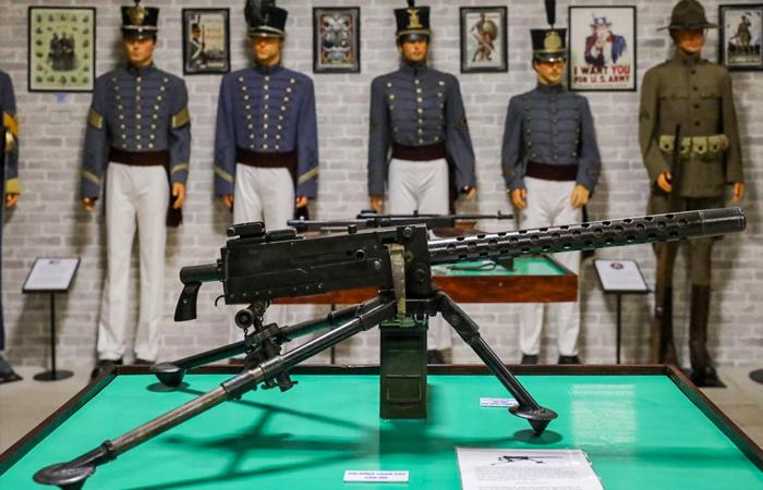 Súng máy M1919 - Bảo tàng vũ khí cổ Robert Taylor