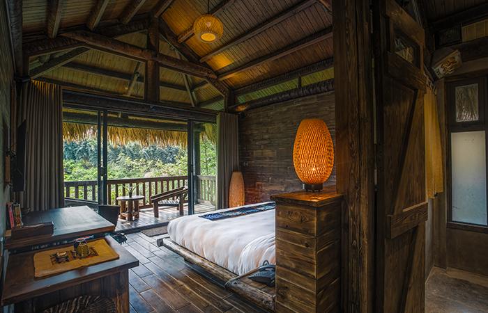 Giường ngủ - Deluxe Valley View Bungalow | Nguồn: Khu nghỉ dưỡng Sapa Jade Hill Resort & Spa