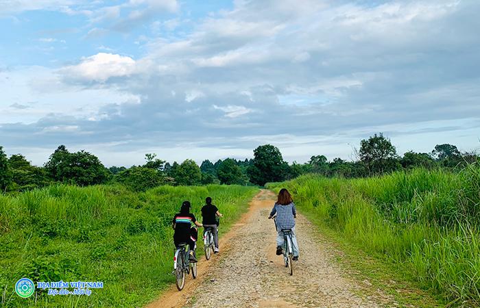 Đạp xe xuyên rừng Tại Vườn Quốc Gia Nam Cát Tiên - Địa điểm Du lịch Đồng Nai (diadiemvietnam.com.vn)