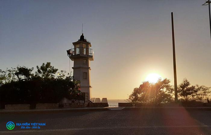 Ngọn hải đăng nhỏ Trên cung đường Trần Phú - Vũng Tàu - Địa Điểm Việt Nam