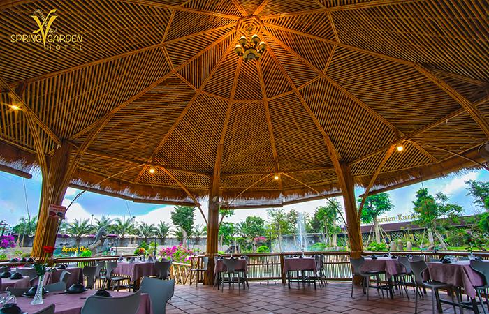 The Spring Garden Hotel Long Khánh - Nhà hàng sân vườn - Địa Điểm Việt Nam